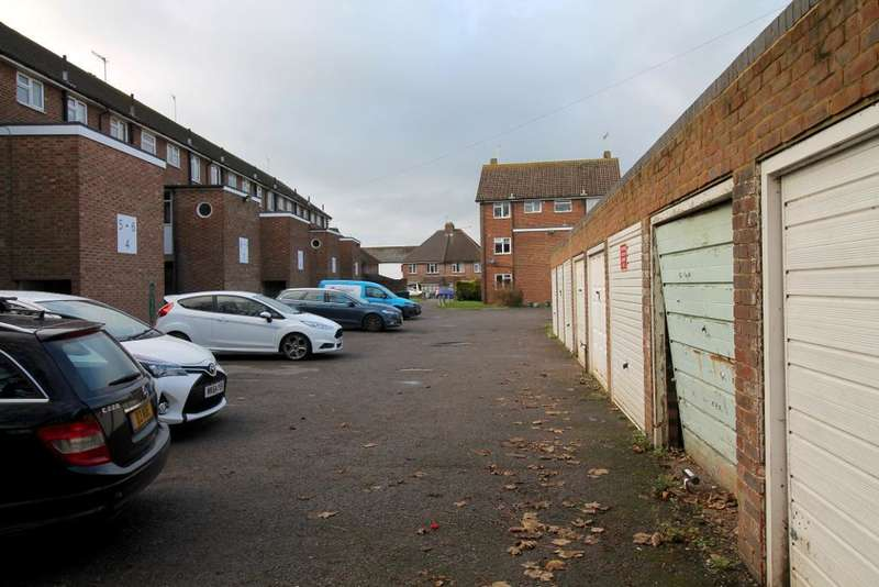 Commercial Property for rent in Victoria Road, Portslade, Brighton, East Sussex, BN41 1XX