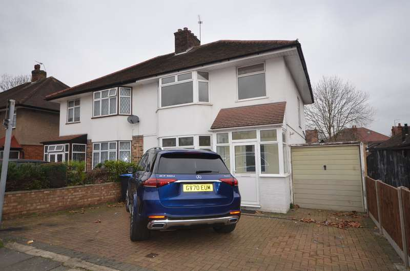 3 Bedrooms Semi Detached House for rent in Braemar Avenue, Wembley, Middlesex, HA0 4QN