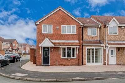 3 Bedrooms Detached House for rent in Keasden Grove, Willenhall, WV13
