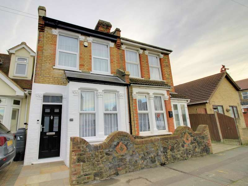 3 Bedrooms Terraced House for sale in Central Avenue, Southend, Essex, SS2 4DZ