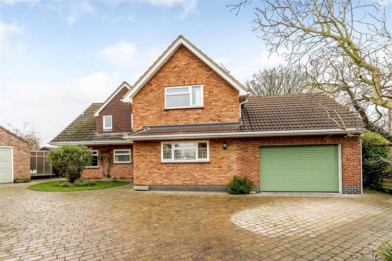4 Bedrooms Detached House for sale in Pye Court, Willoughby, Rugby