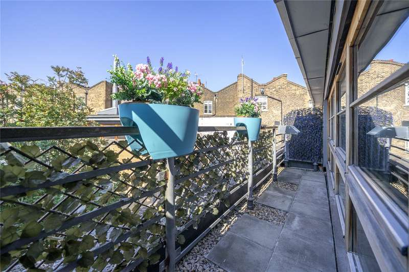 3 Bedrooms House for sale in Pied Bull Yard, London, N1