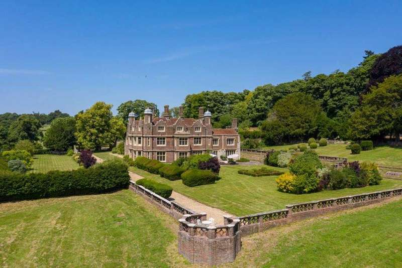 9 Bedrooms Detached House for sale in St. Albans, Hertfordshire, UK, AL3 8QH