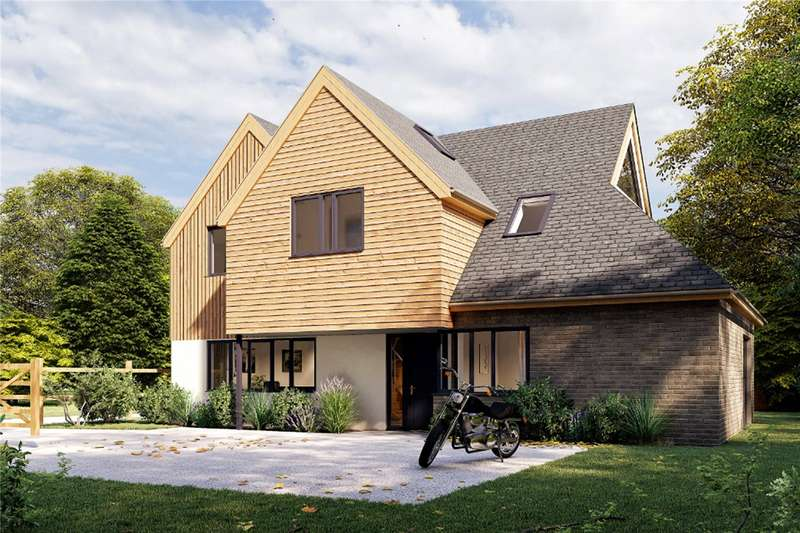 4 Bedrooms Detached House for sale in Hill Brow Road, Liss, Hampshire, GU33