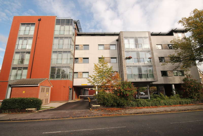 2 Bedrooms Flat for sale in Goldington Road, Bedford, MK40