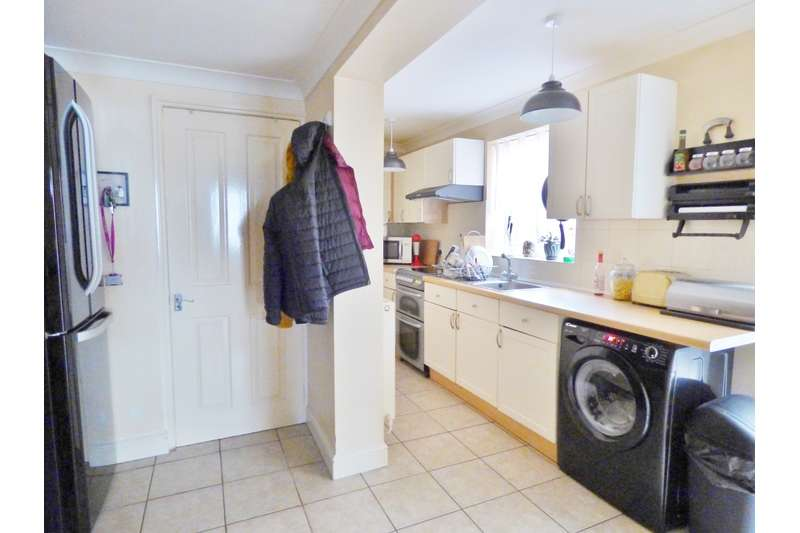 4 Bedrooms Semi Detached House for sale in Hawthorn Bank, Spalding, Lincolnshire