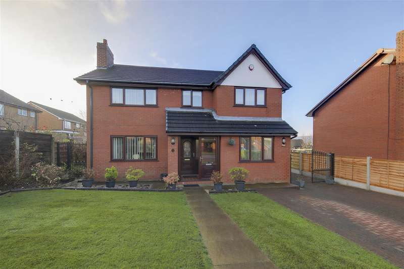 4 Bedrooms Detached House for sale in Foxwell Close, Haslingden, Rossendale