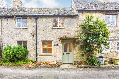 2 Bedrooms Terraced House for sale in Wraggs Row, Stow On The Wold, Cheltenham, Gloucestershire