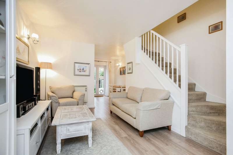 2 Bedrooms Terraced House for sale in Westferry Road, London, London, E14