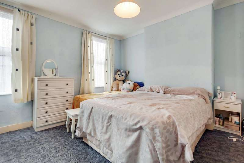 2 Bedrooms Terraced House for sale in Wentworth Road, Croydon, CR0