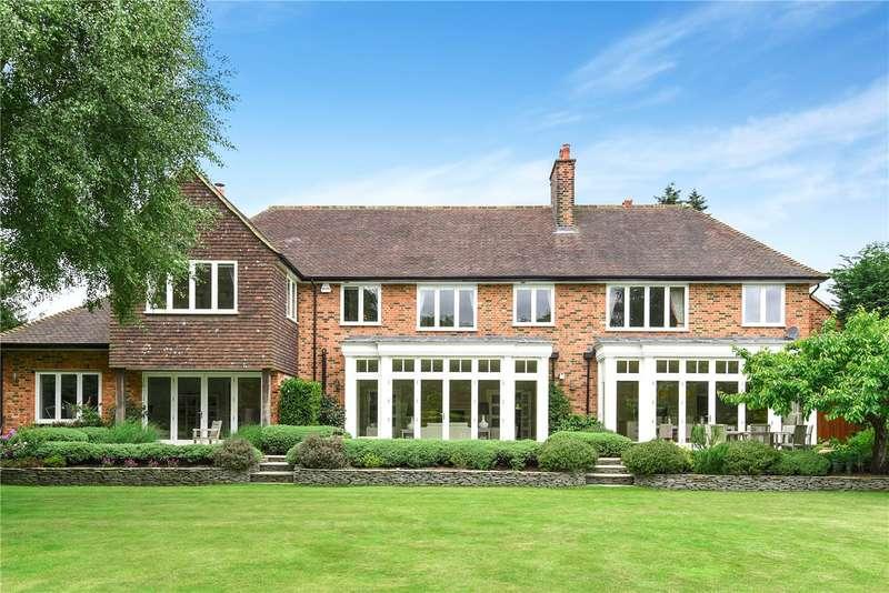 5 Bedrooms Detached House for sale in Manor Way, Beckenham, BR3