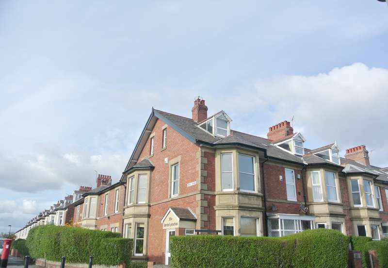 4 Bedrooms Maisonette Flat for rent in Church Road, Gosforth, Newcastle Upon Tyne