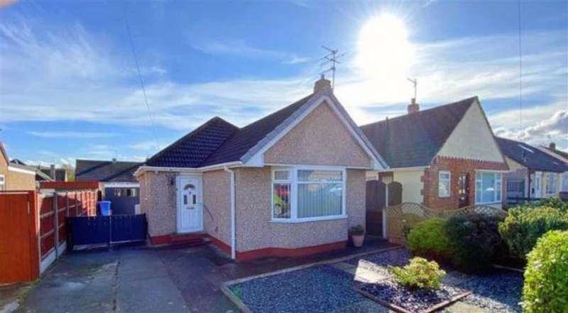 2 Bedrooms Detached Bungalow for rent in Overton Avenue, Prestatyn, Denbighshire