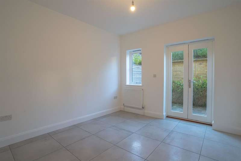 3 Bedrooms Terraced House for rent in Northgate End , Bishops Stortford, Herts