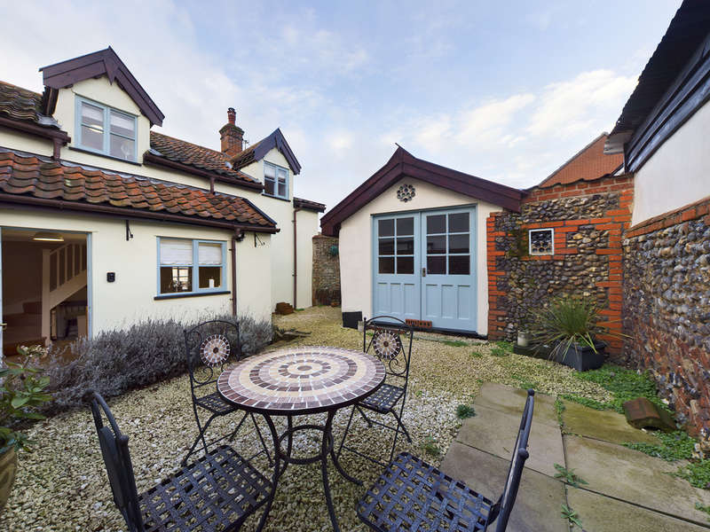 3 Bedrooms Detached House for sale in Norwich Road, Dickleburgh