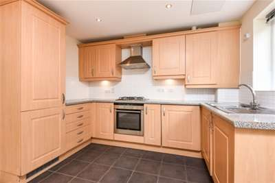 2 Bedrooms Flat for rent in Bishops Stortford, CM23