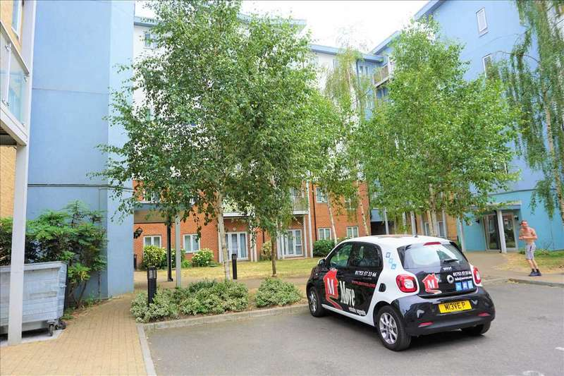 2 Bedrooms Apartment Flat for sale in Foundary Court, Slough