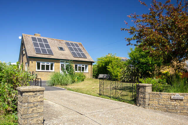 5 Bedrooms Detached House for sale in Alverstone Road, East Cowes, Isle of Wight