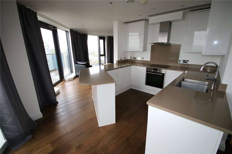 3 Bedrooms Flat for rent in