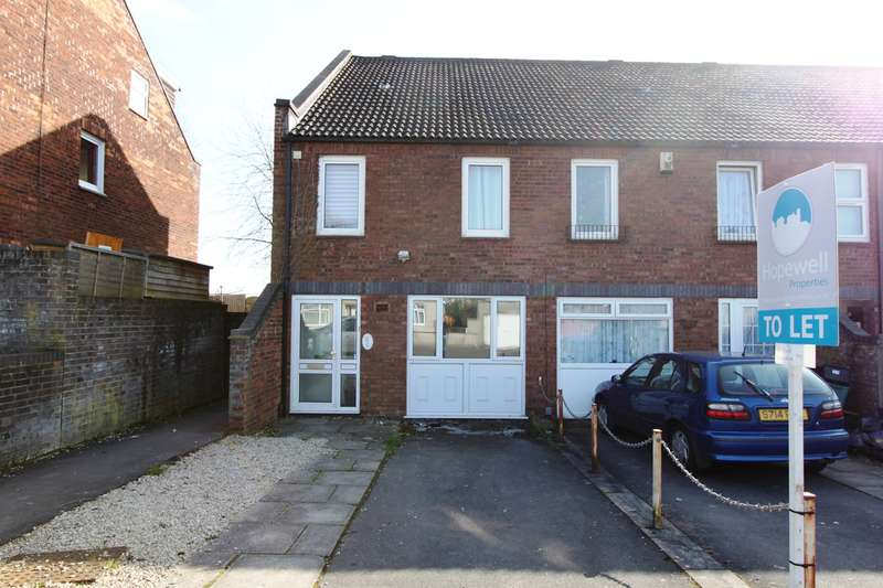 6 Bedrooms House for rent in Small Lane, Bristol, BS16