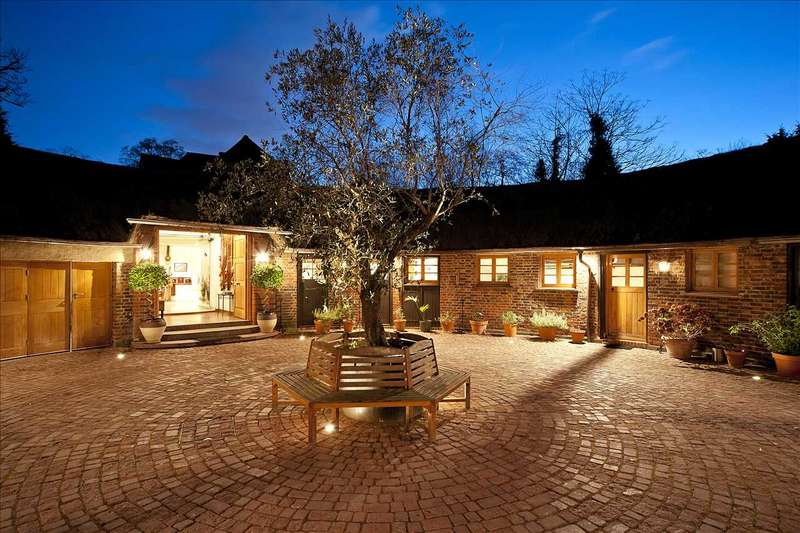 8 Bedrooms Detached House for sale in The Stables, Coombe Hill