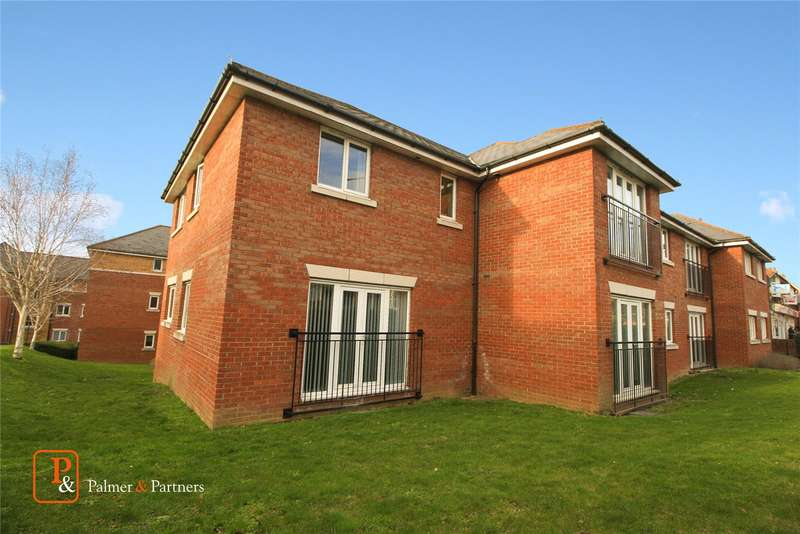 3 Bedrooms Flat for rent in Ratcliffe Court, Colchester, Essex, CO4