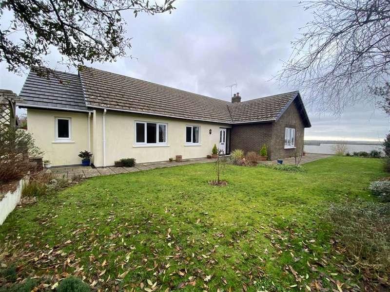 3 Bedrooms Detached Bungalow for sale in Meadow Park, Treffgarne, Haverfordwest