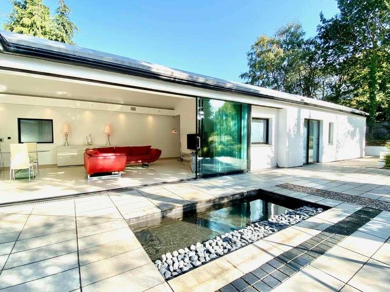 4 Bedrooms Detached House for sale in Robin Hood Lane, Chatham, Kent, ME5