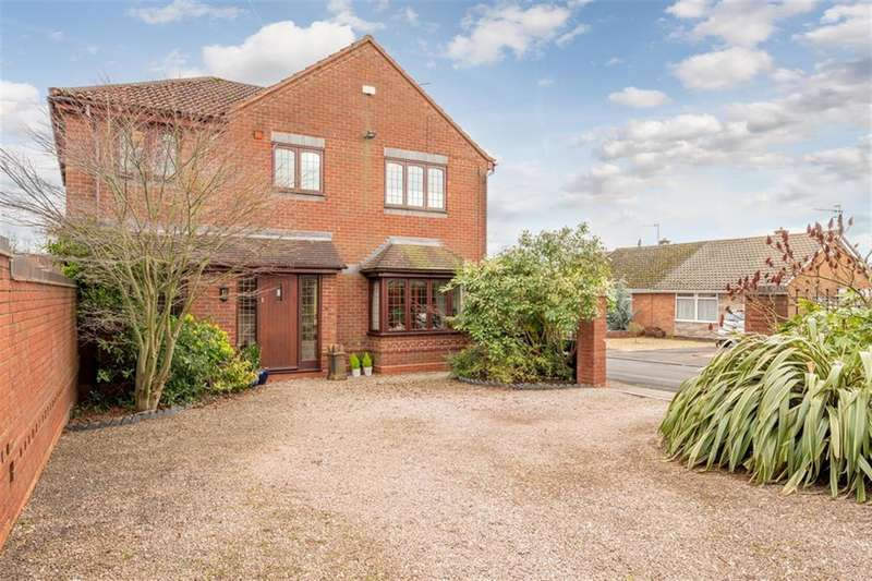 4 Bedrooms Detached House for sale in Stream Road, Kingswinford, DY6 9PD