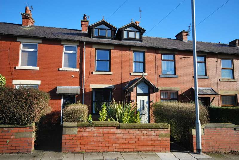 3 Bedrooms Terraced House for sale in Longsight Road, Holcombe Brook, Bury