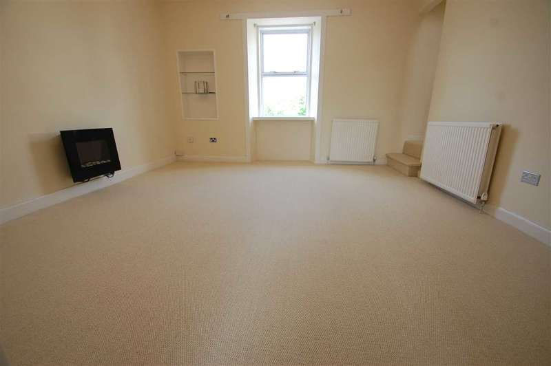 3 Bedrooms Apartment Flat for rent in Todshill Street, 3 bedroom flat split over top 2 levels - fully refurbished - with garden