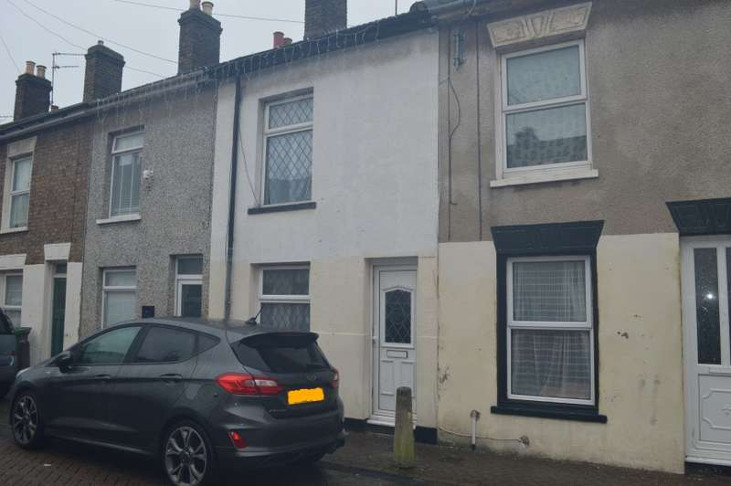 2 Bedrooms Terraced House for sale in 27 Clyde Street, Sheerness, Kent