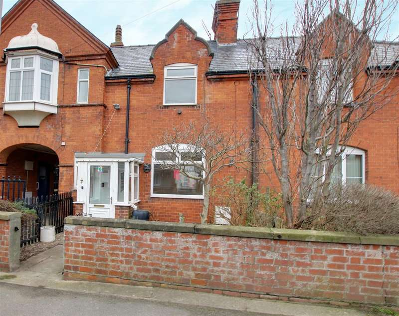 2 Bedrooms Terraced House for sale in Admiralty Road, Mablethorpe