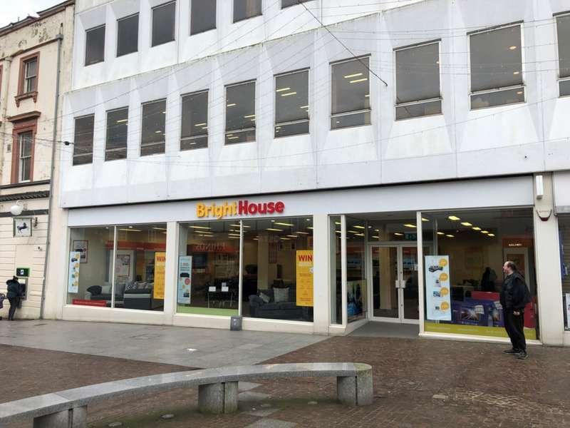 Shop Commercial for rent in Sandgate Road, Folkestone, CT20