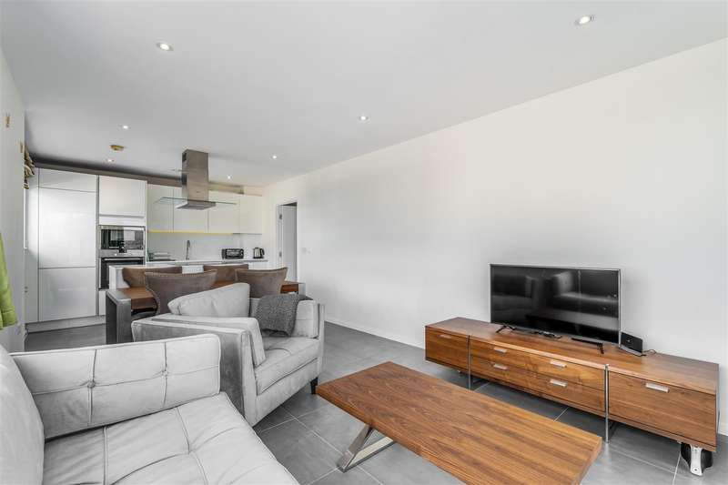2 Bedrooms Apartment Flat for sale in Rosler Building, Ewer Street, Southwark, London