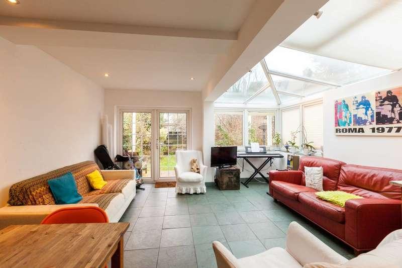 3 Bedrooms Flat for sale in Highbury Hill, Highbury, N5
