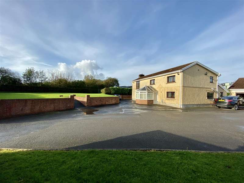 4 Bedrooms Property for sale in Coopers Road, Ammanford