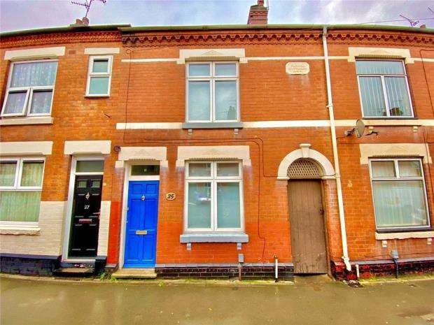 5 Bedrooms Terraced House for rent in Willington Street, Nuneaton