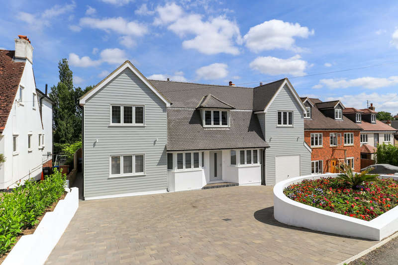 5 Bedrooms Detached House for sale in Cuffley Village