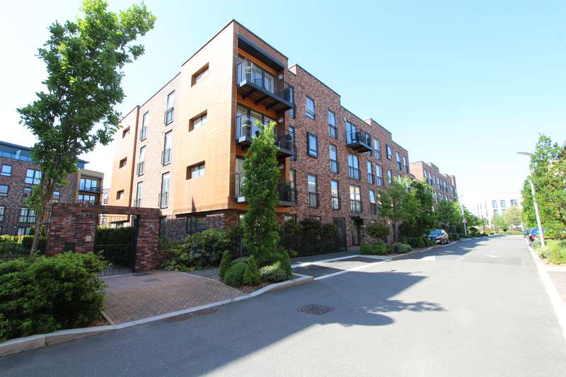 2 Bedrooms Apartment Flat for rent in Madeleine Court, Letchworth Road, Stanmore, HA7