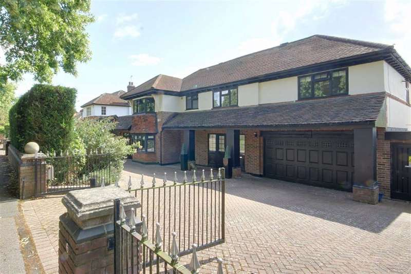 4 Bedrooms Detached House for sale in The Avenue, Potters Bar, Hertfordshire
