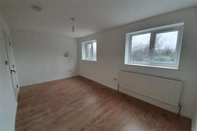 1 Bedroom House for rent in Robinia Close, IG6 3AJ