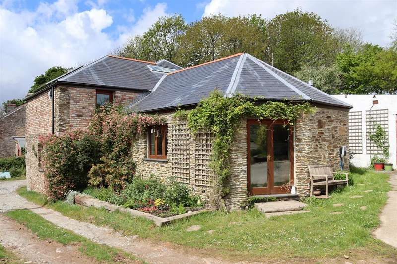 4 Bedrooms Barn Conversion Character Property for sale in Trewince Lane, Grampound Road