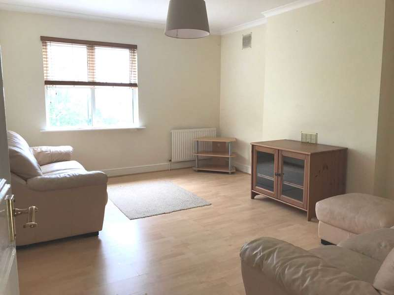 3 Bedrooms Flat for rent in Habiba House, Colney Hatch Lane, Muswell Hill, N10