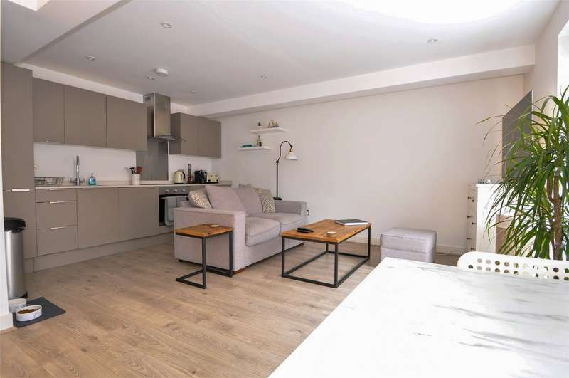 1 Bedroom Flat for sale in Stonehills, WELWYN GARDEN CITY, Hertfordshire