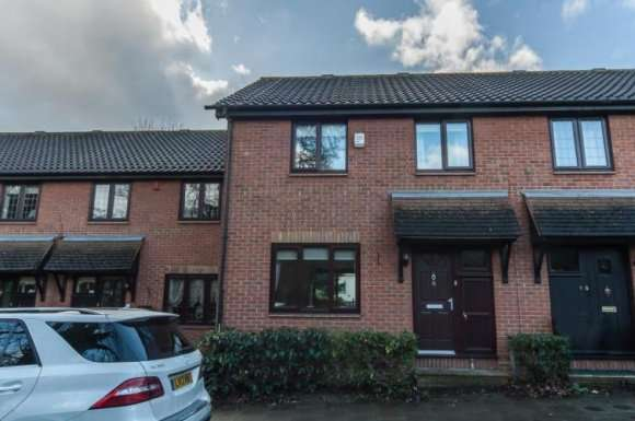 3 Bedrooms Terraced House for sale in Larch Grove, Sidcup, DA15