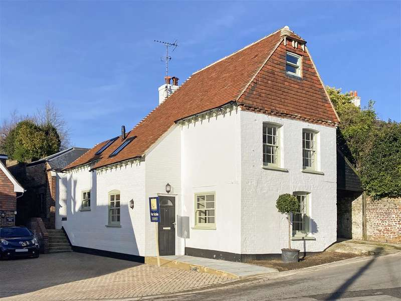3 Bedrooms Detached House for sale in Maltravers Street, Arundel