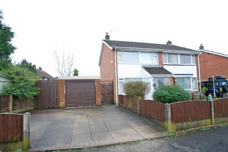 3 Bedrooms Semi Detached House for sale in Birks Drive, Bury