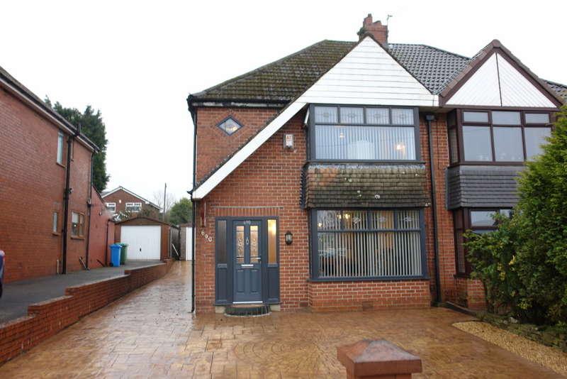 2 Bedrooms Semi Detached House for sale in Ripponden Road, Moorside