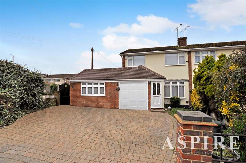 4 Bedrooms Semi Detached House for sale in Kennedy Close, Benfleet